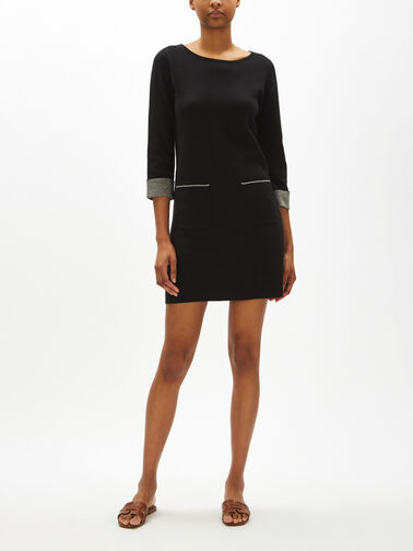 Flat-Knitted-Dress-With-Pockets-0001150124