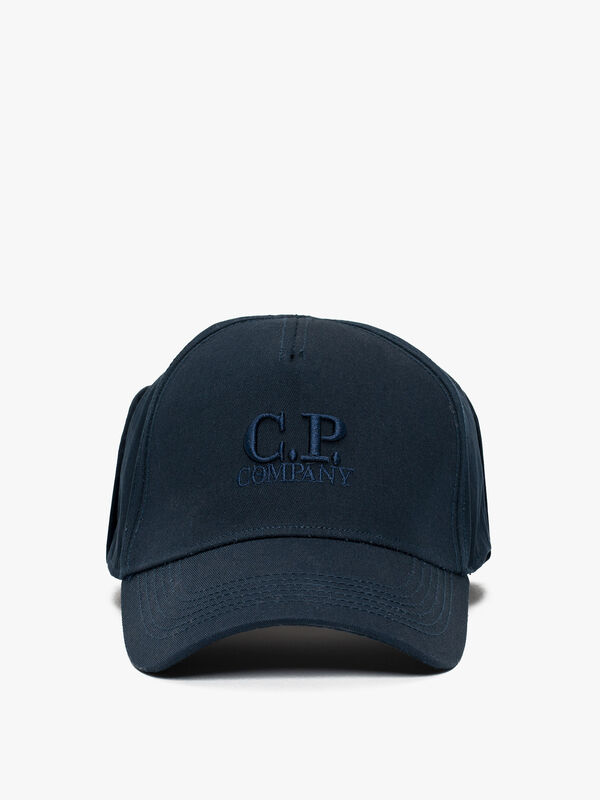 Cap with goggle