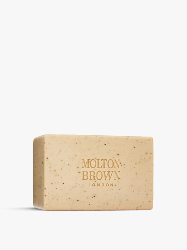 Re-charge Black Pepper Bodyscrub Bar