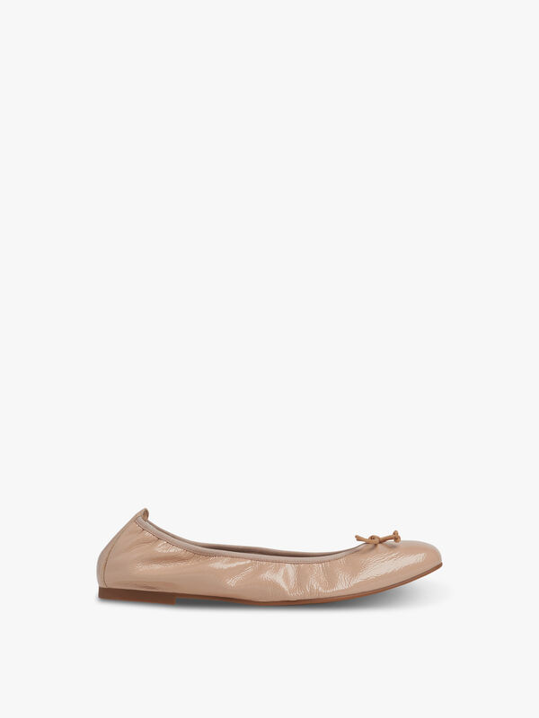 TRILLY FLATS