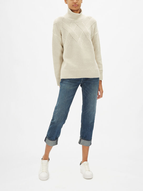 Exagerated Cable Detail Turtle Neck Knit