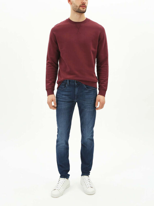 Slimmy Tapered Luxe Performance Jeans