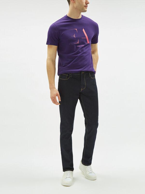 Slim Fit J06 Jeans