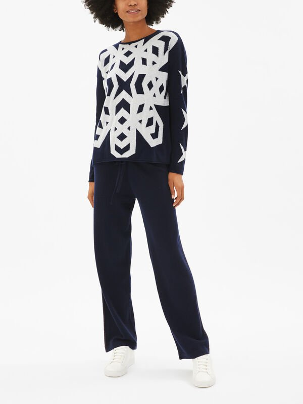 Snow Flake Motif Crew Neck Knit