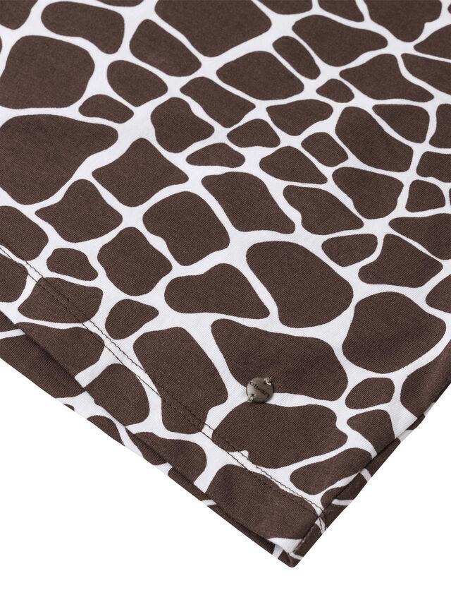 All Over Giraffe Print Short Sleeve Tee Top