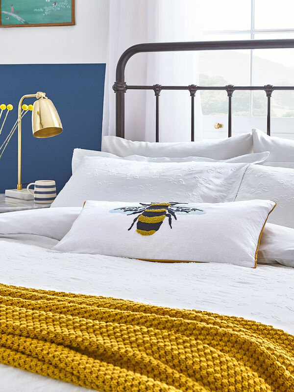 Botanical Bee Clipped Duvet Cover