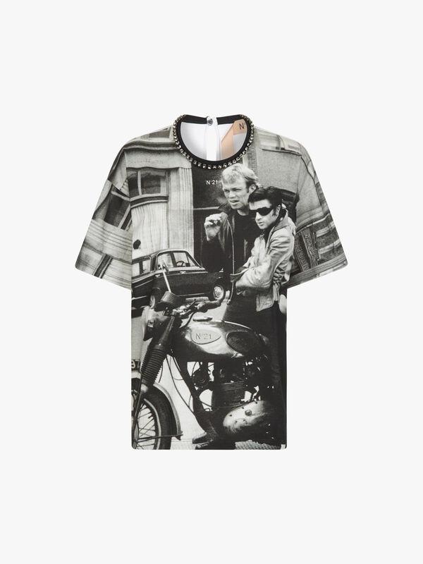 Graphic Stud Neck T-Shirt