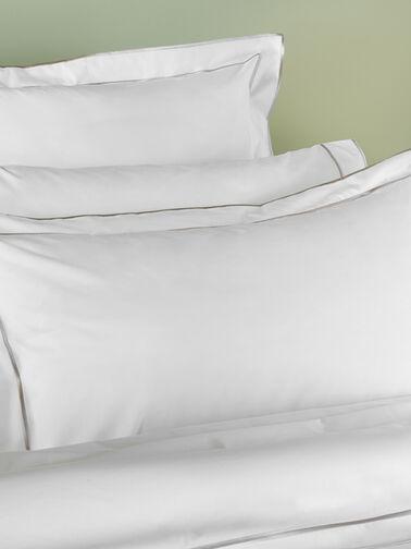 Marta-Standard-Pillowcase-Amalia