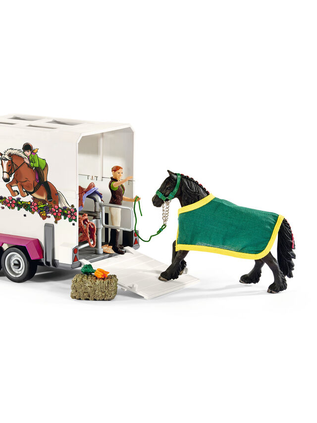 Pick-Up With Horse Box