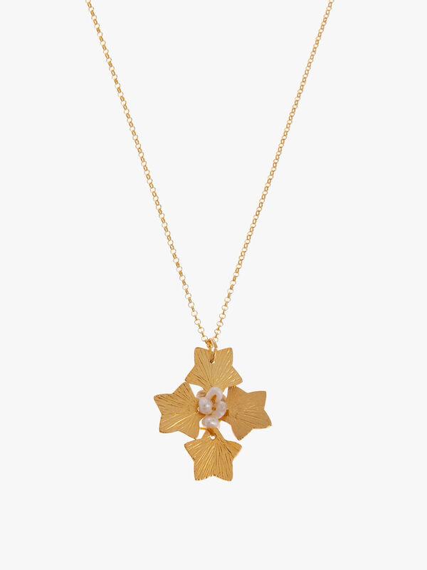 Short Pearl Cross Pendant Necklace