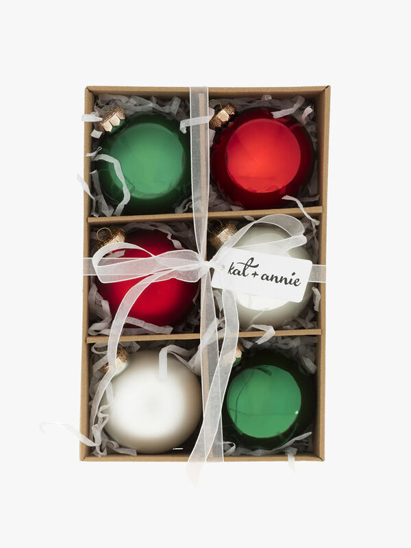 Box of 6 Christmas Round Baubles