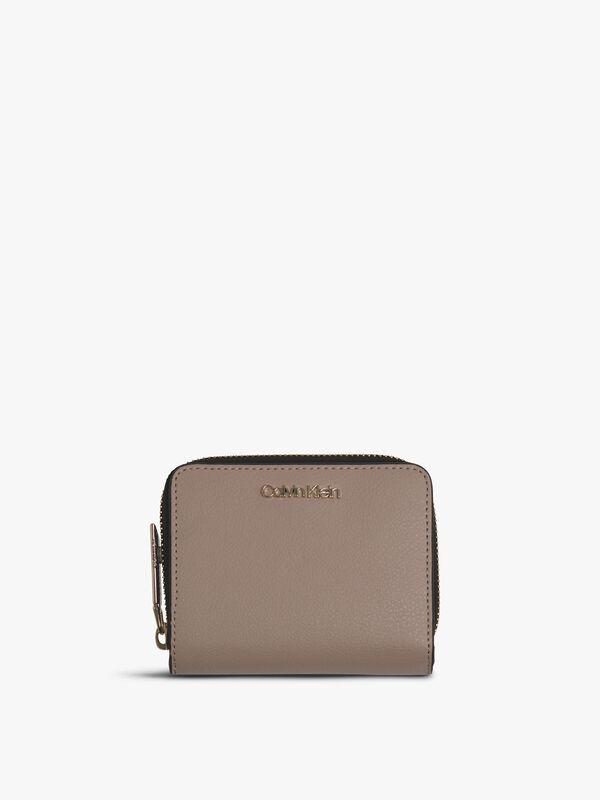 Enfold Medium Zip Wallet