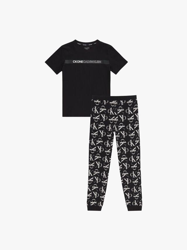T-Shirt and Cuffed Pants Pyjama Set