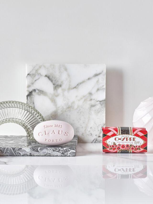 Chypre Cedar Poinsettia Soap