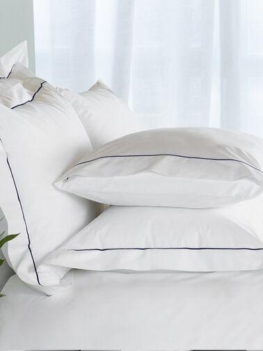 Laura-Square-Oxford-Pillowcase-Amalia