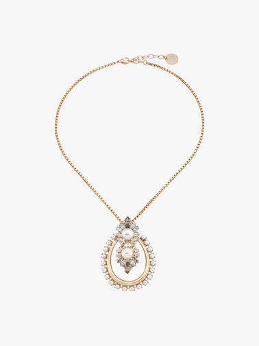 Oval Necklace With Pearls