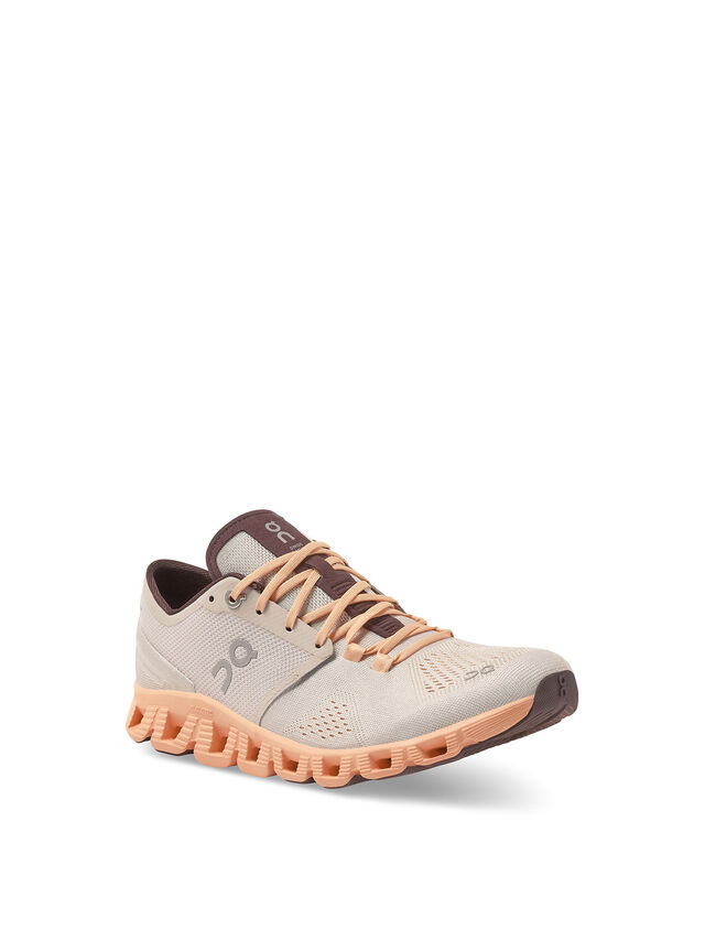 Cloud X Sneaker