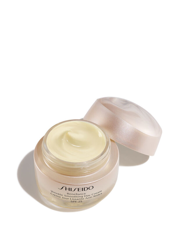Benefiance Wrinkle Smoothing Day Cream SPF 25
