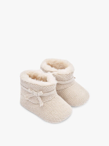 Knitted-Star-Booties-0001184585