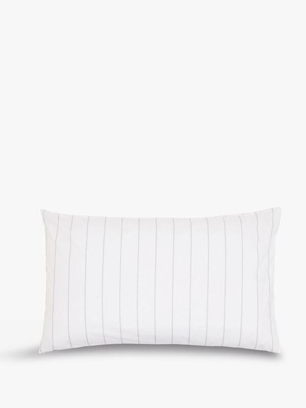 Paisley Standard  Pillowcase Pair