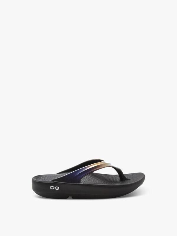 OOFOS Oolala Sandals