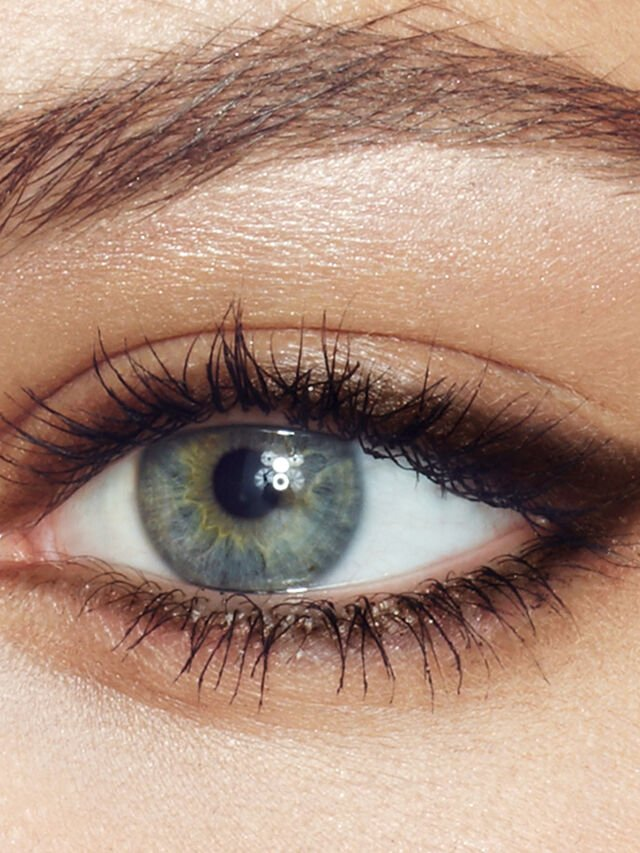 The Classic Eyeliner
