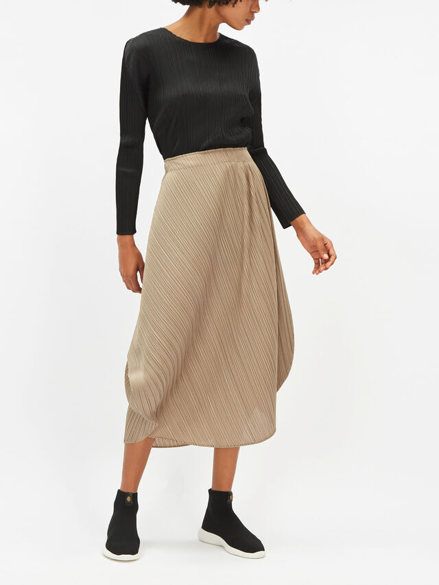 Curved Skirt