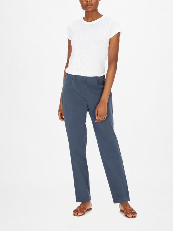 Ropa Slim Fit Cotton Trouser