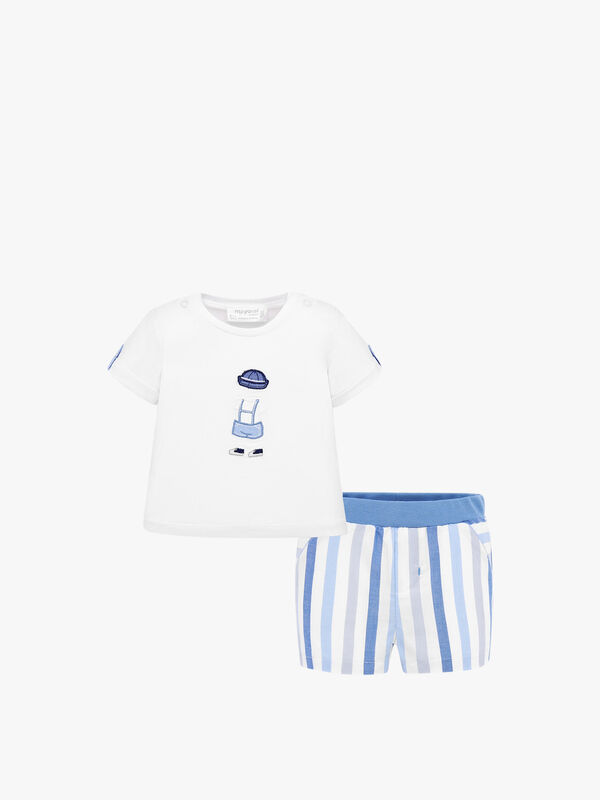 T-shirt with Stripe Shorts