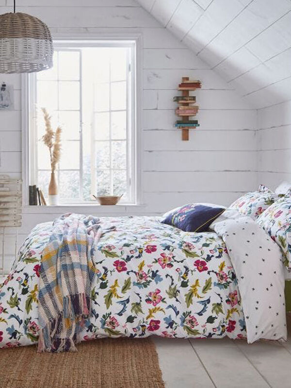 Cambridge Garden Floral Duvet Cover