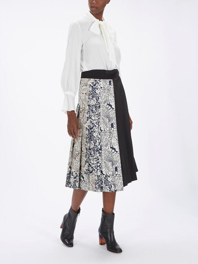 Lago Wool Wrap Skirt w/Belt