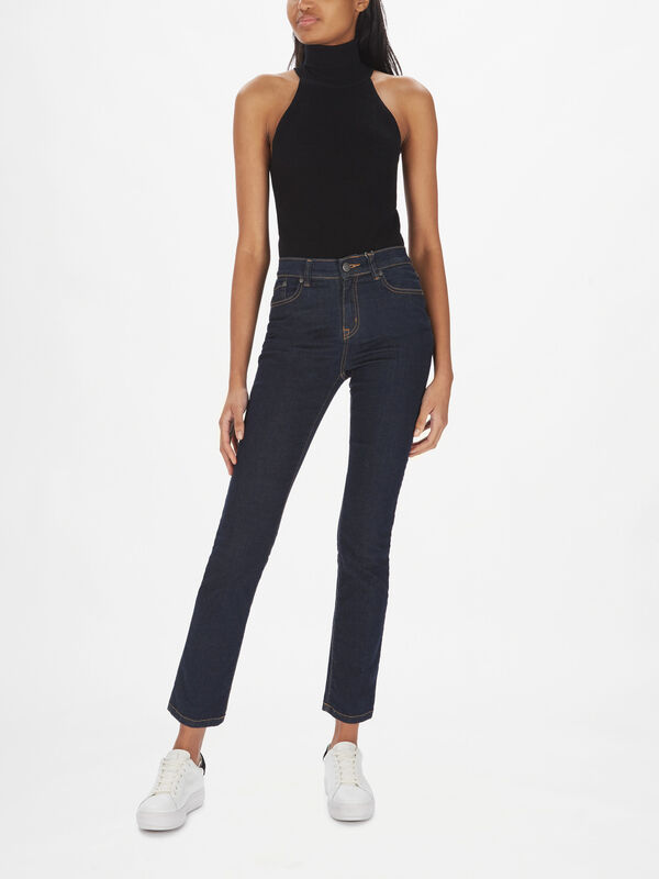 Essential Slim Jean