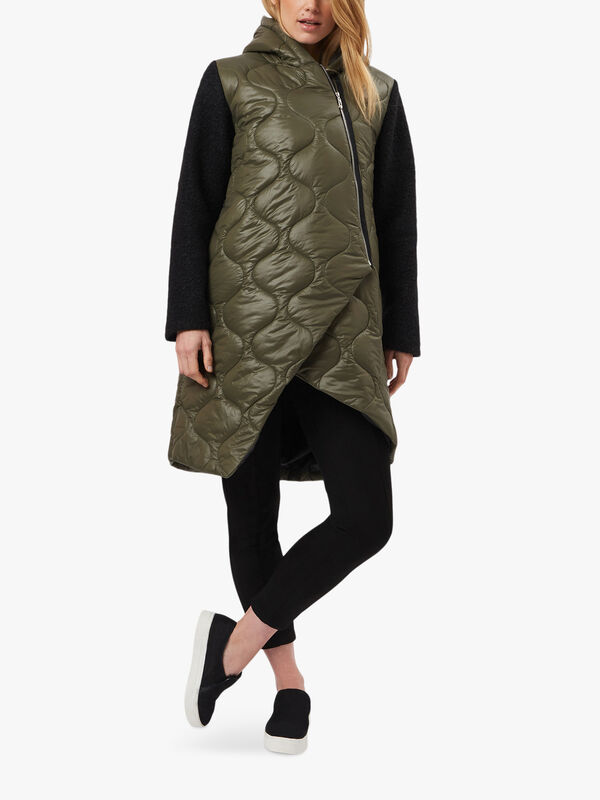 Boucle Sleeve Puffer Jacket