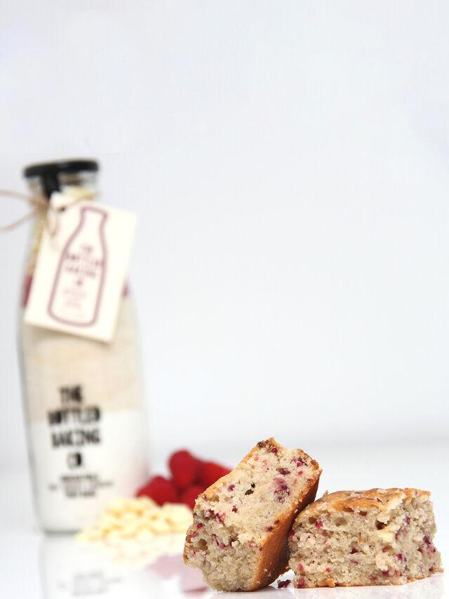 Irresistible White Chocolate and Raspberry Tray Bake Mix