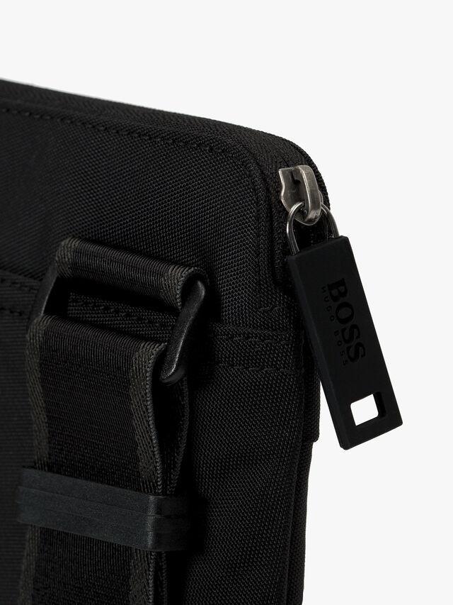 Magn Envelope Crossbody Bag