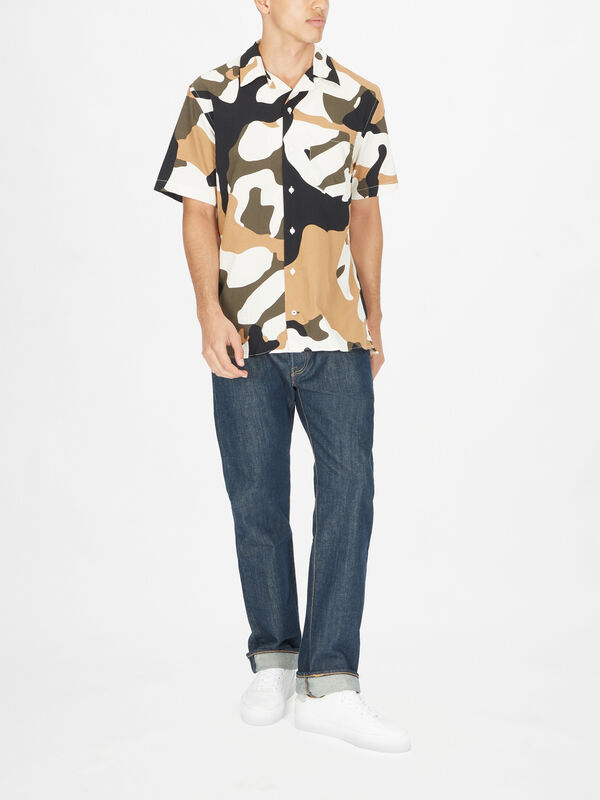 Carbon Floral Camo Prined Shirt